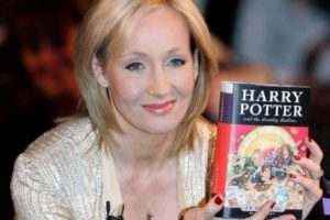 Classy, brilliant lady with her 7th consecutive classy, brilliant book.